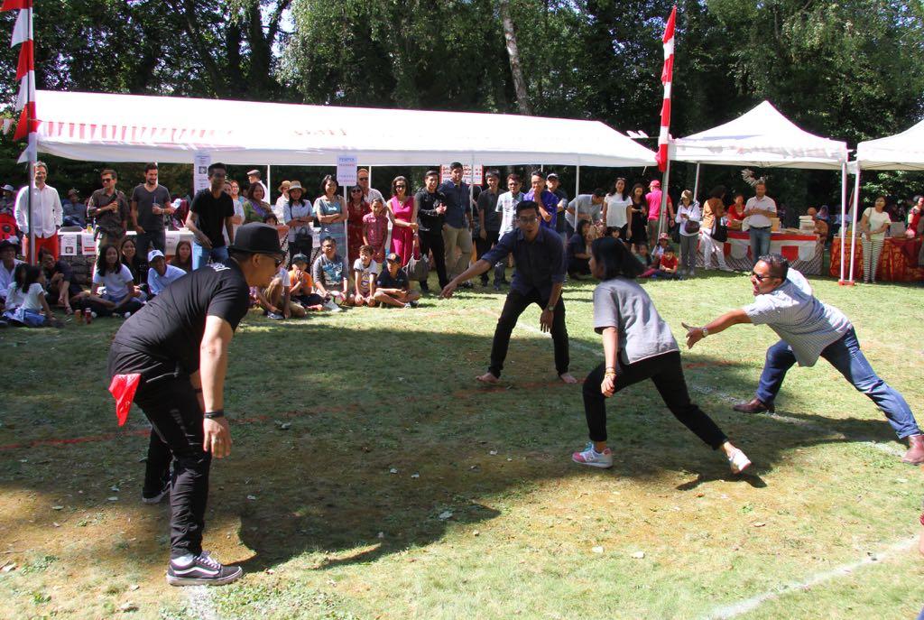 Nostalgia Permainan Tradisional Di Pesta Rakyat Hut Ri Ke 72 Di Jenewa